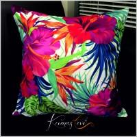 Kumaş Evi Dekoratif Yastık -Renkli Çiçekli Yaprak